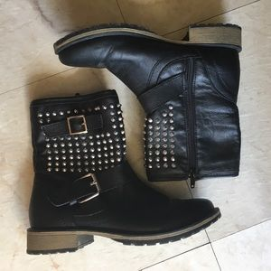 Shoes - 🖤 Black Spiked Combat Boots 🖤